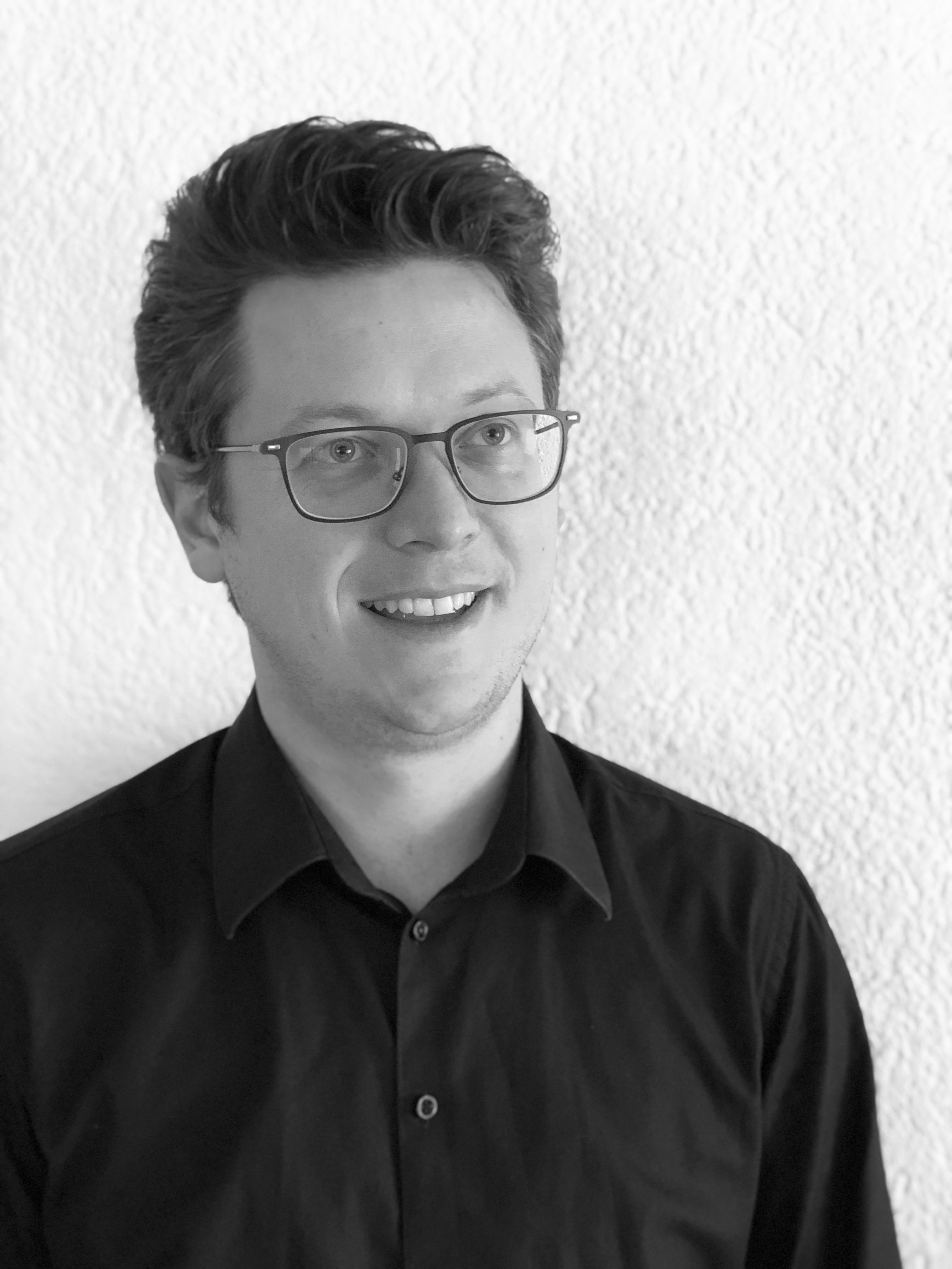 Chorleiter Benjamin Schreijäg